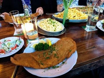 restaurant Baumstammhaus Schnitzel